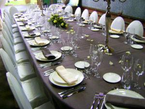Verhuur_feestmateriaal_gedekte_tafel